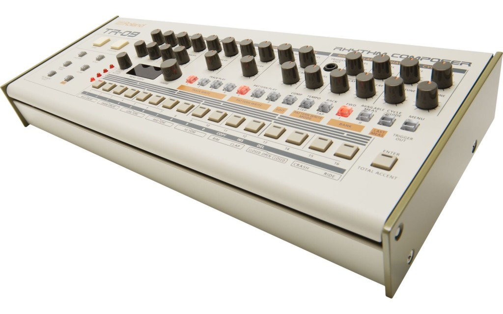 Roland TR 09