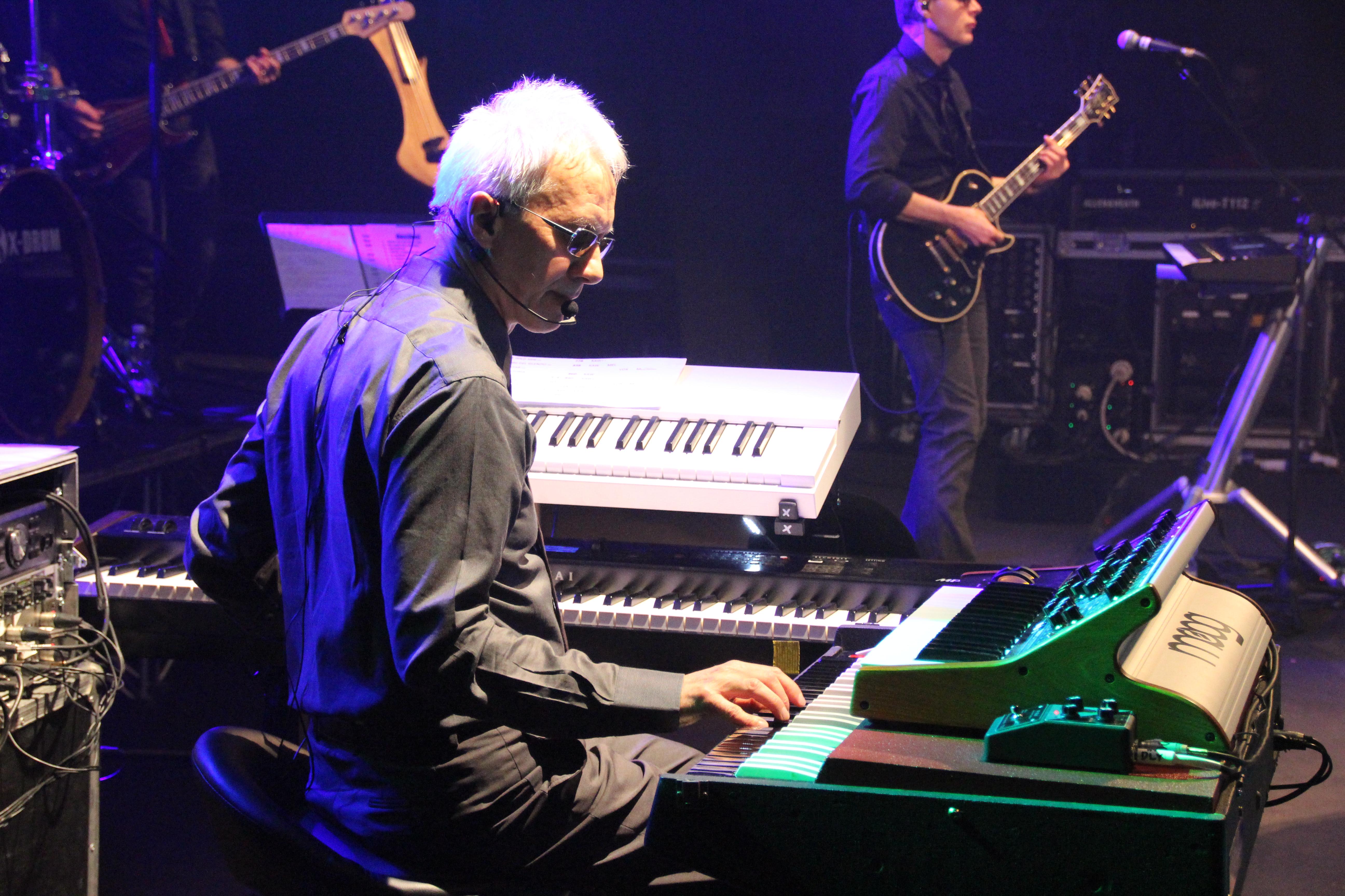 Silvio Capeccia con le sue tastiere