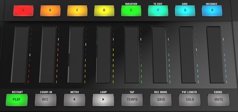 10 Panoramica delle otto Smart Strip dotate di LED Meter RGB che assumono la colorazione del suono riprodotto