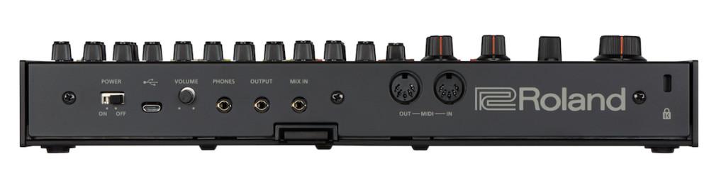 TR-08_rear