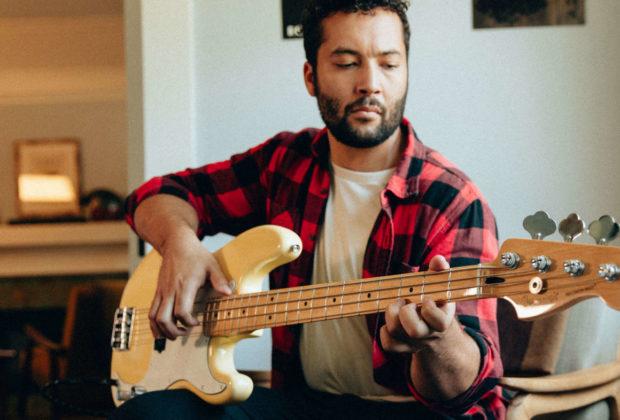 Fender bass tutorial online