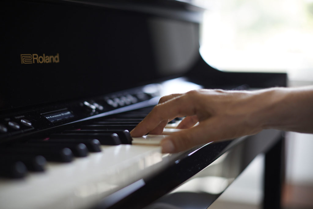 Roland LX700 series piano digital upright verticale lx706 lx705 lx708