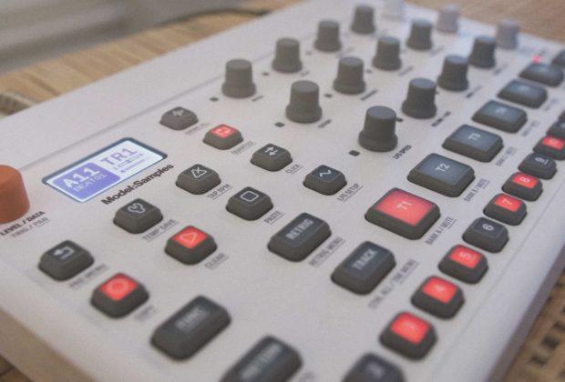 Elektron Model:Samples synth dj producer hardware sample soundwave strumenti musicali