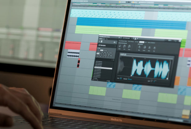 Native Instruments Komplete Kontrol 2.1 update software strumenti musicali
