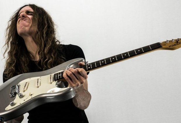 Nick Johnston chitarra clinic gold music schecter eventi strumenti musicali