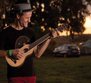 Washburn Rover chitarra acustica travel guitar casale bauer strumenti musicali