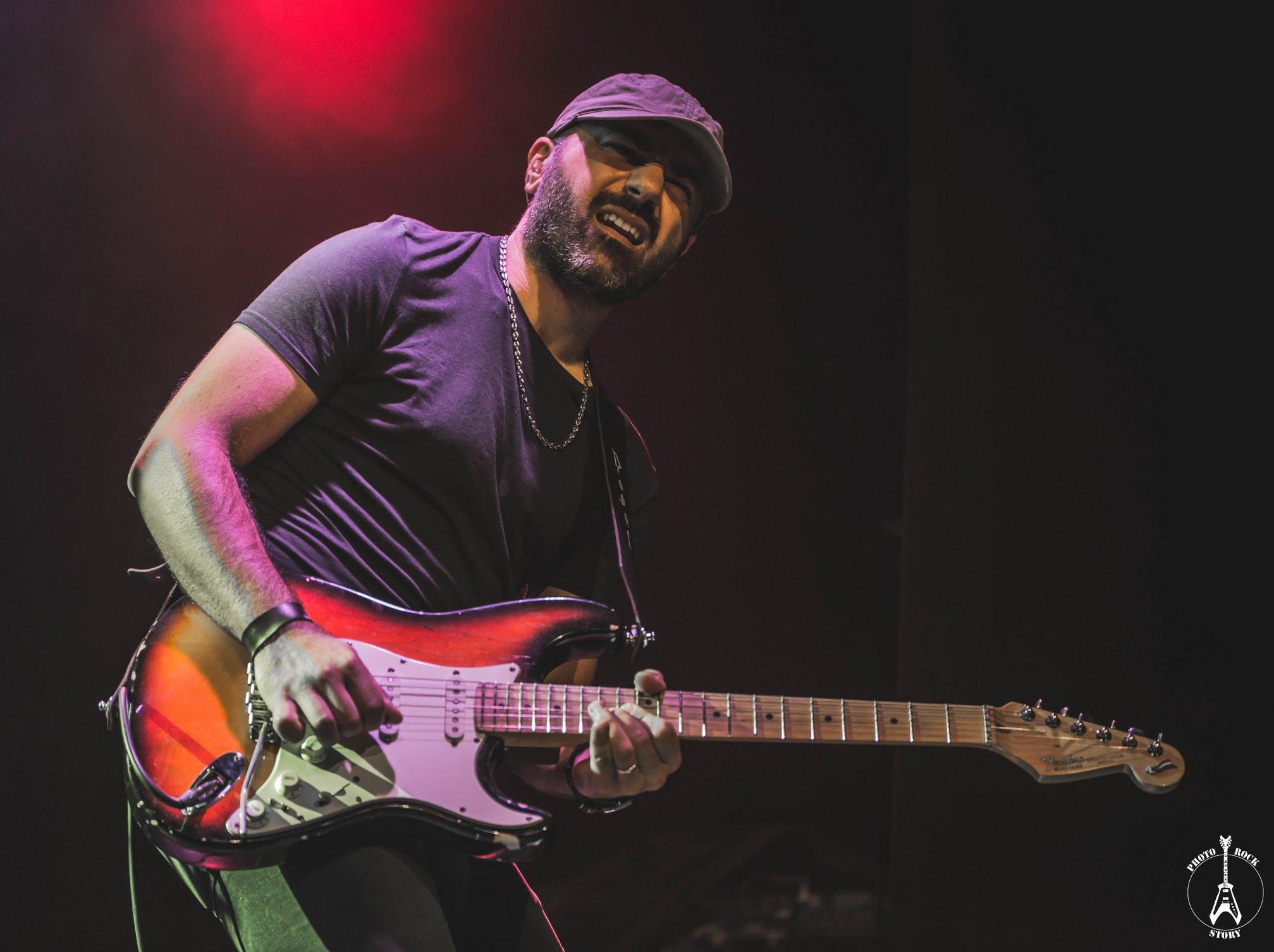 Lorenzo Carancini chitarrista strumenti musicali