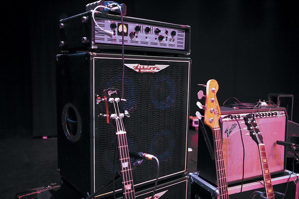 chitarra, basso, musica live, batteria, cantante