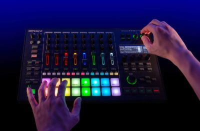Roland MC-707 dj producer groovebox groove live perform strumenti musicali