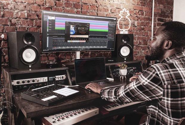 Steinberg Electric bass virtual instrument halion software strumenti musicali