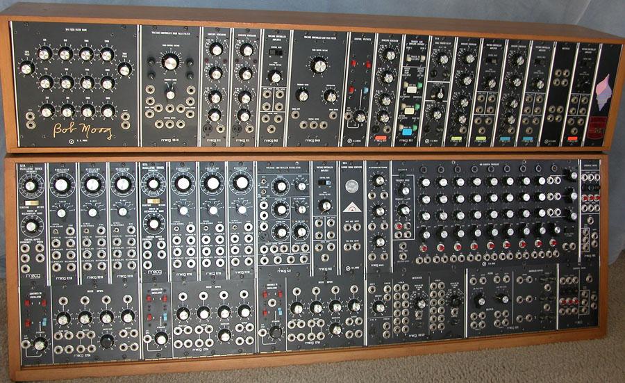 Moog_Modular 55 sm strumenti musicali