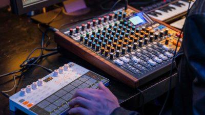 Tascam Model 12 mixer hardware digital usb rec live studio aeb strumenti musicali