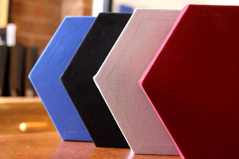 https://www.audiofader.com/wp-content/uploads/2020/02/Gik-Acoustics-DecoShapes-Hexagon-Acoustic-Panels-ap.jpg