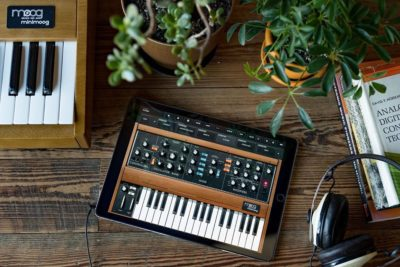 Moog minimoog app synth virtual free gratis soft app ipad iphone strumenti musicali