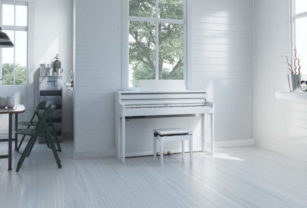 Roland HP704 digital piano home strumenti musicali