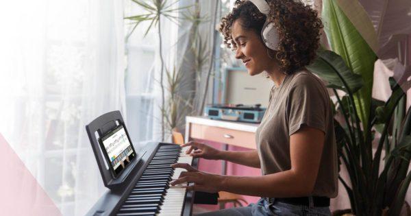 Roland Skoove piano lesson lezione virtual corsi app software strumenti musicali
