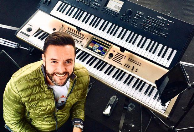 JACOPO CARLINI tastiera rai mediaset sanremo live intervista riccardo gerbi sturmenti musicali smandfriends korg piano keyboard