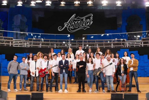 BAND DI AMICI '19 talent show orchestra celso valli luca rossi strumenti musicali smandfriends intervista canale 5