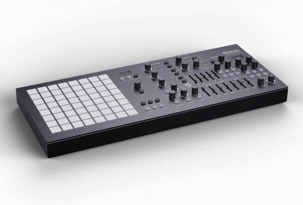 Polyend Black Medusa synth hardware digital studio producer music strumenti musicali