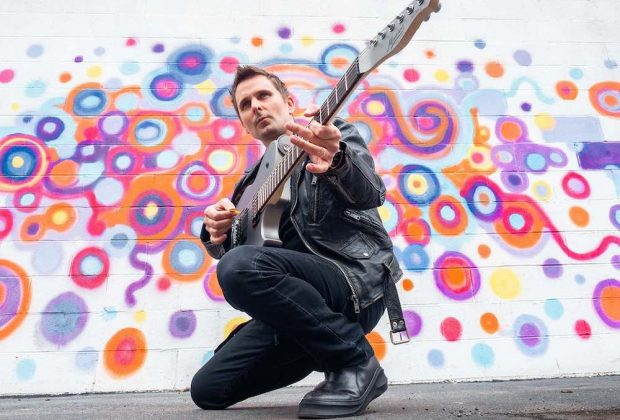 Manson Guitar Matthew Bellamy Backline chitarra muse guitar distributore meta serie prezzo strumenti musicali