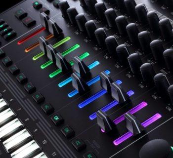 Roland TR-8s drum machine 808 909 rhythm performer composer producer dj strumenti musicali