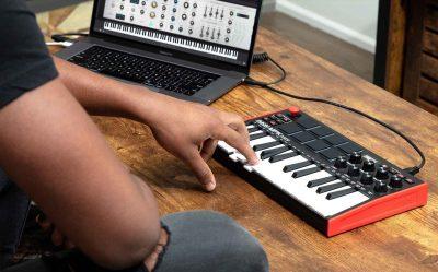 Akai MPK Mini MK3 algam eko music producer keyboard midi portatile usb strumenti musicali