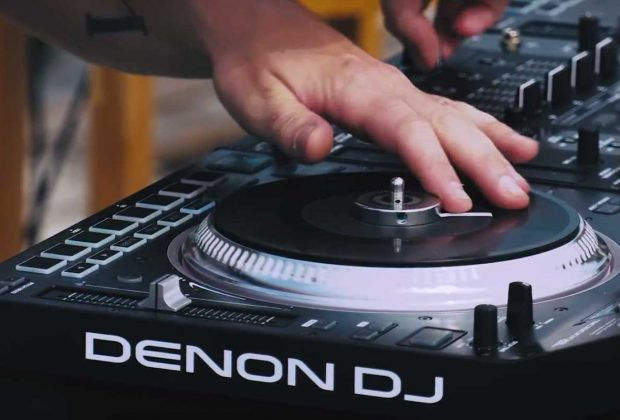 Denon DJ virtual software hardware player performance live strumenti musicali