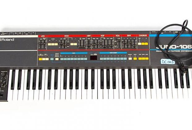 Roland Juno-106 Derrick Carter synth hardware digital strumenti musicali vintage