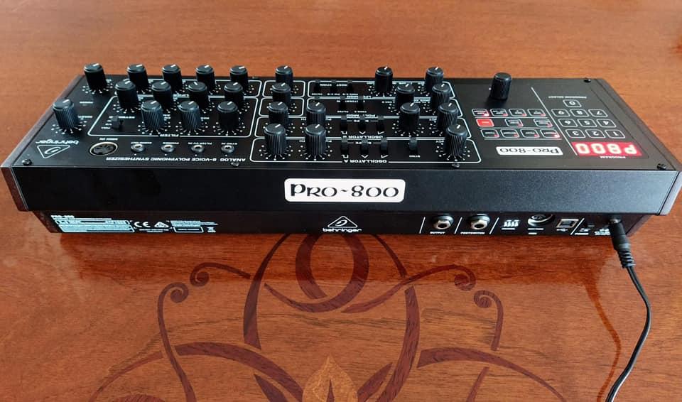 Behringer Pro-800 sequential circuits prophet-600 sintetizzatore synth hardware digital strumenti musicali modular