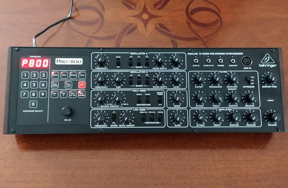Behringer Pro-800 sequential circuits prophet-600 sintetizzatore synth hardware digital strumenti musicali eurorack