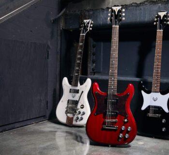 Epiphone Crestwood Custom Polaris White, Epiphone Wilshire Cherry, Epiphone Coronet Ebony guitar chitarra strumenti musicali gibson