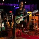 Gibson SG Custom Kirk Douglas chitarra guitar electric the roots jimmy fallon signature strumenti musicali prezzo price