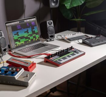 Ik Multimedia UNO Synth Pro Desktop sintetizzatore hardware digital strumenti musicali mogar prezzo video