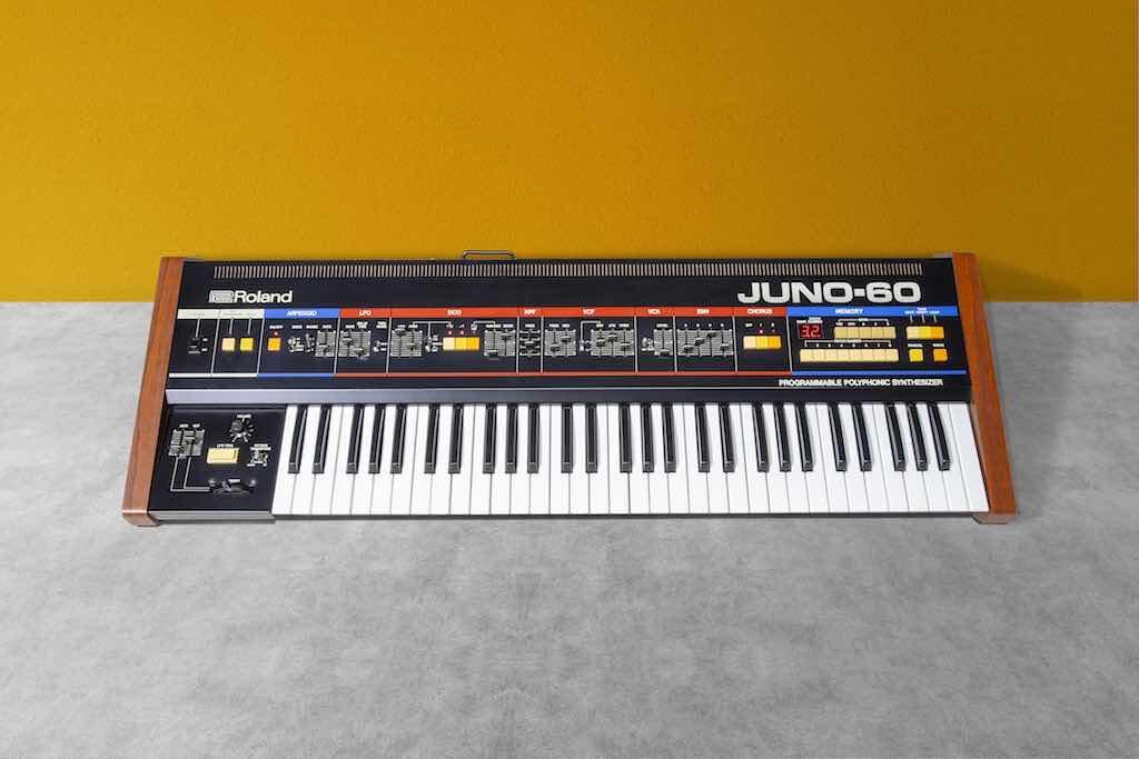 Roland JUNO-60 synth sintetizzatore producer strumenti musicali hardware