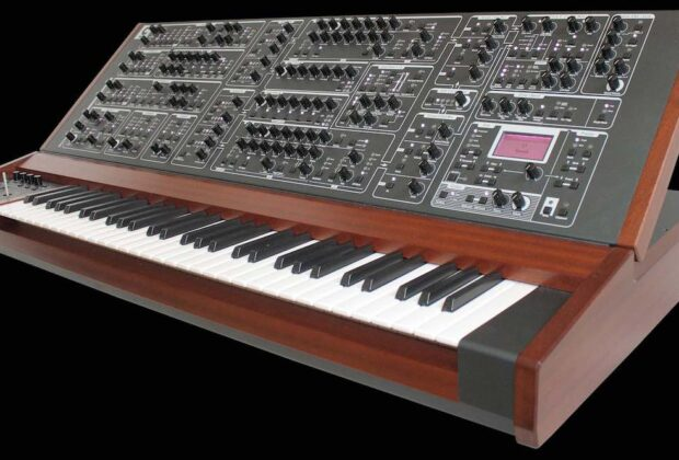 Schmidt Eightvoice Polyphoniv Synthesizer synth hardware sintetizzatore strumenti musicali