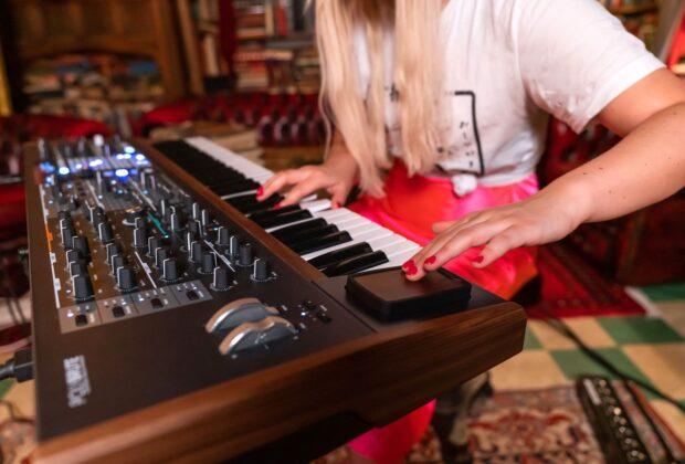 Arturia PolyBrute analog synth sintetizzatore hardware polifonico polyphony music producer strumenti musicali midiware