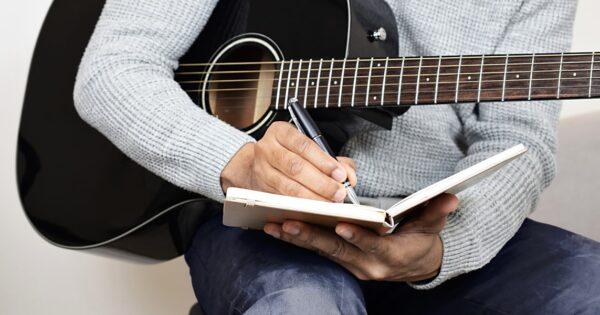 Berklee Online Master of Arts Songwriting strumentimusicali corso