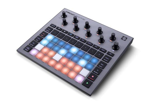 Novation Circuit Rhythm sampler hardware dj producer live studio midiware strumentimusicali