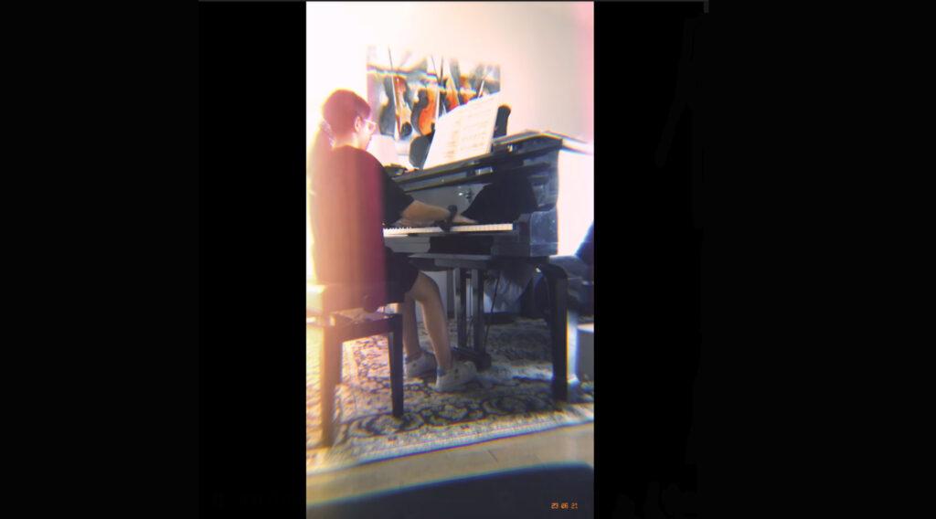video al pianoforte