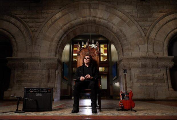 Gibson Tony Iommi SG Special chitarra elettrica signature diavoletta black sabbath ozzy osbourne strumentimusicali p90