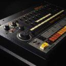 Roland TR-808 drum machine virtual instrument plug-in audio producer rolandcloud strumentimusicali
