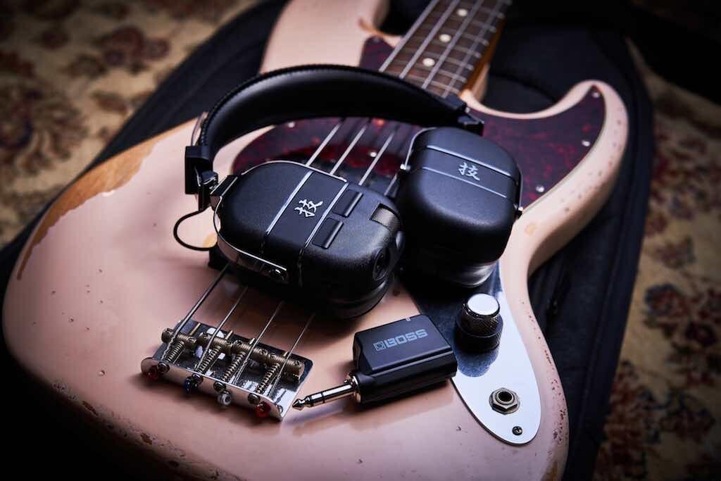 BOSS Waza Air Bass headphones amp cuffie amplificatore studio casa home strumentimusicali